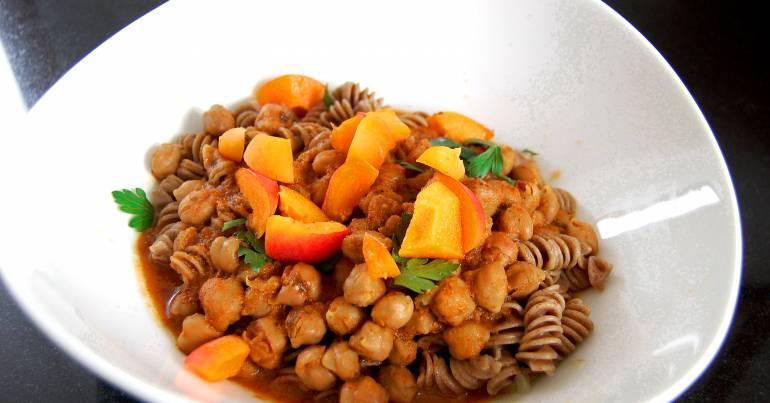Kichererbsen-Curry mit Linsennudeln